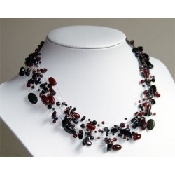 Necklace red black